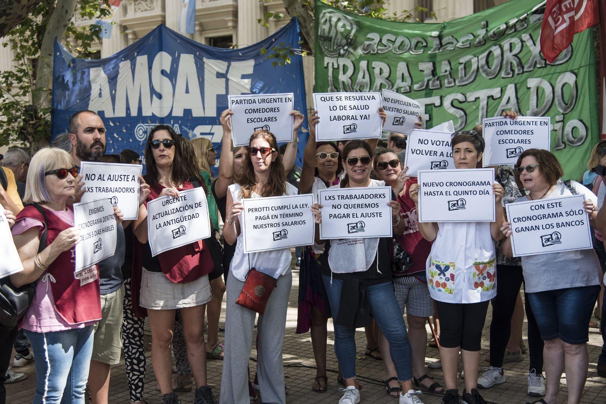 Santa Fe: hubo incidentes en la casa del gobernador Perotti en una marcha en reclamo por seguridad