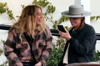 La actriz Amber Heard y la directora Bianca Butti, juntas en Los Ángeles
