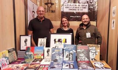 Thomas Dassance, Claire Dassance y Marcos Vergara, en el stand de iLatina