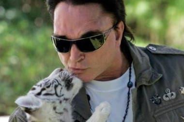 Roy Horn, integrante del dúo de magos de las Vegas famoso por sus actos con tigres blancos en el escenario