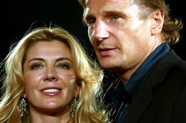 """""""Cada vez que escucho que se abre la puerta sigo pensando que voy a escucharla. Y, entonces, el dolor me golpea"""", contó Neeson en una entrevista"""