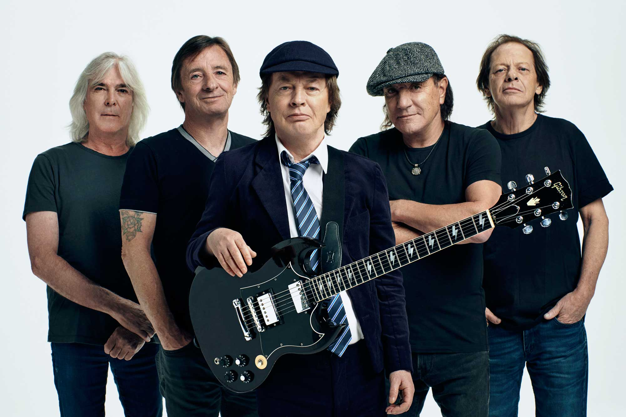 AC/DC sigue conduciendo por la autopista al infierno en 'Power Up'