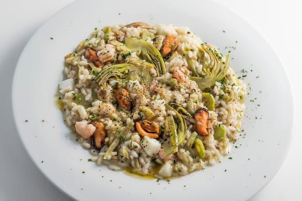 Receta de Risotto con alcauciles y frutos de mar