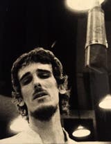 Spinetta, durante la grabación de Only Love Can Sustain