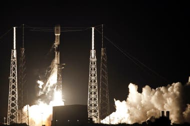 El despegue del Falcon 9, el cohete reutilizable de SpaceX