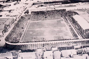 Vista aérea del viejo estadio de Racing, escenario de la definición del primer Sudamericano