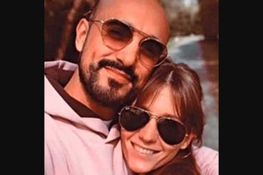 Abel Pintos junto a su novia, Mora Calabrese