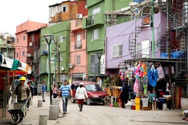 Calles pavimentadas, una de las mejoras más reconocidas por los vecinos de la villa 31
