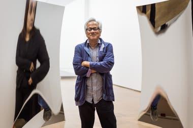 Anish Kapoor con Dobe vértigo, una de las obras que exhibe en Proa