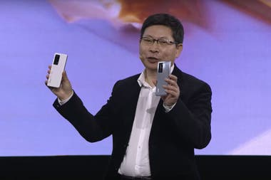 Huawei Mobile CEO Richard Yu is being targeted by his company's commercial policy