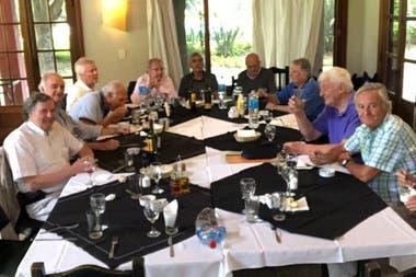 El almuerzo de hace dos años en San Isidro Club, que se ha vuelto el punto habitual de la reunión anual de los primeros pumas del rugby argentino.