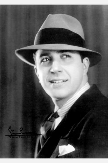 Retrato de Carlos Gardel que el fotógrafo José Silva le tomó en su estudio en octubre de 1933