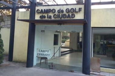 El Campo de golf de Palermo, lugar que jugadores y trabajadores ansían volver a transitar