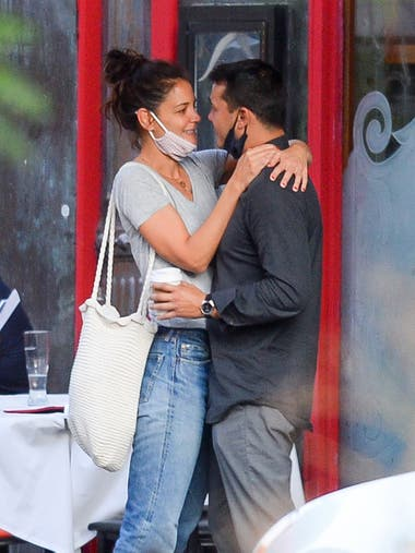 Katie Holmes junto a su flamante novio, el chef neoyorkino Emilio Vitolo Jr.