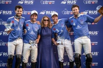 Rs Murus Sanctus 2020: en el medio, la francesa Corinne Ricard, dueña del equipo