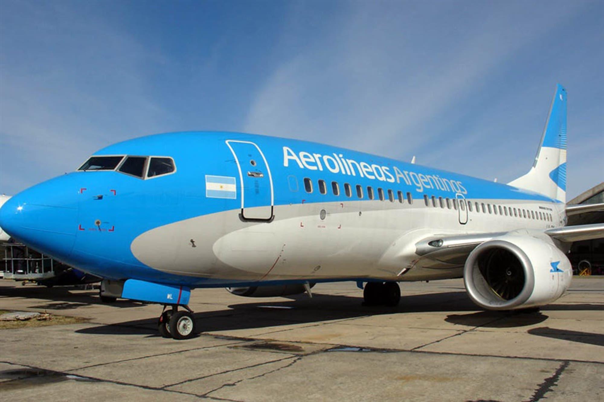 Aerolíneas Argentinas canceló todos los vuelos del martes por el paro
