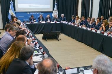 La reunión ayer de la cadena del sector con Etchevehere y otros funcionarios