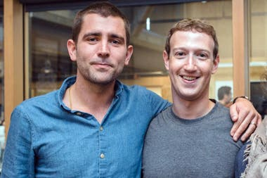 Chris Cox y Mark Zuckerberg en épocas más felices de Facebook