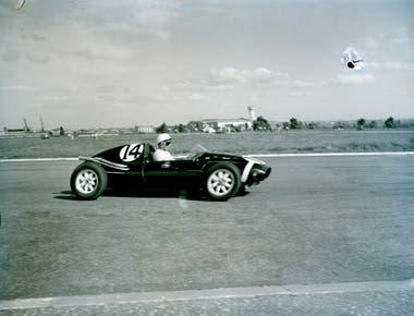 El innovador Cooper-Climax de Stirling Moss, con motor trasero, que sorprendió a todos en 1958
