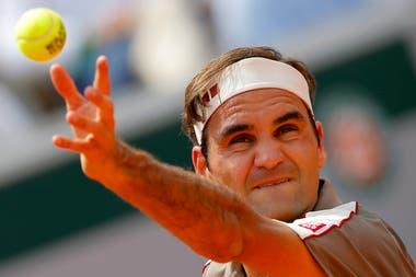 Federer, a punto de sacar.
