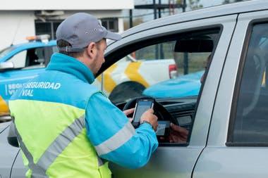 Cédulas verde y azul se suman al registro de conducir para llevarlas en el celular