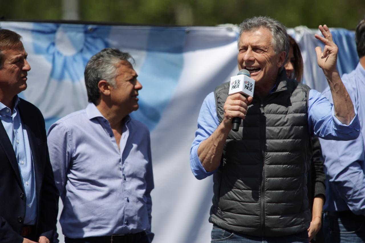 """""""Salvemos las dos vidas"""": el gesto de Mauricio Macri que generó debate en las redes"""