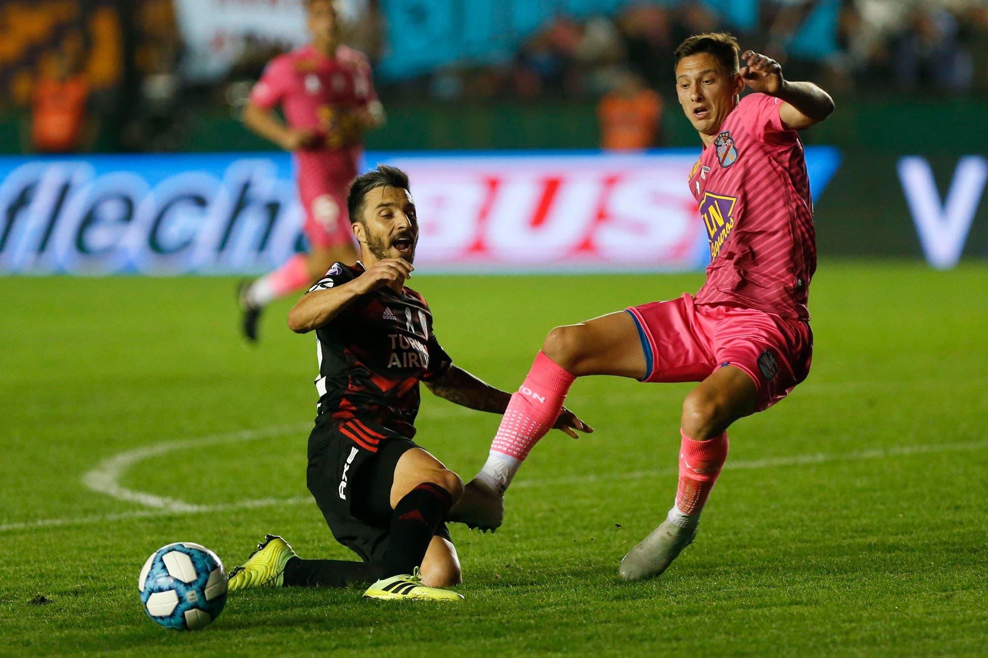 Arsenal-River, por la Superliga: antes del partido con Boca, el millonario pierde por el torneo local