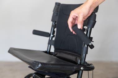 Hay dos tipos de sillas: una que realiza movimientos en vaivén y otra que se mueve hacia arriba y hacia abajo.