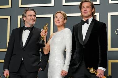 Con sus Oscar: Joaquin Phoenix, Renée Zellweger y Brad Pitt