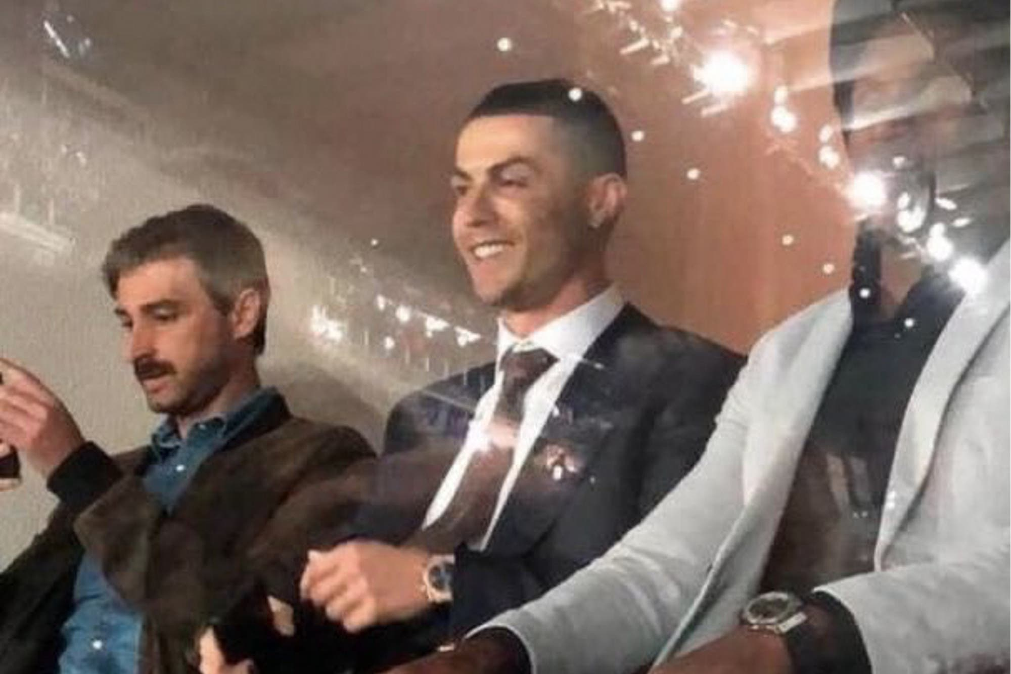 El clásico español: entre la visita de Cristiano Ronaldo y los hinchas con barbijos por el coronavirus
