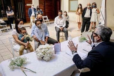 Damián Ugerman y María José Río se casaron el jueves 5 de noviembre en el patio del Registro Civil Central de CABA