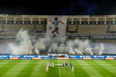 El homenaje a Diego Maradona por parte de Talleres, antes del partido