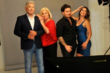 Bal está a punto de estrenar Mentiras inteligentes, junto a Arnaldo André, Marta González y Cinthia Fernández