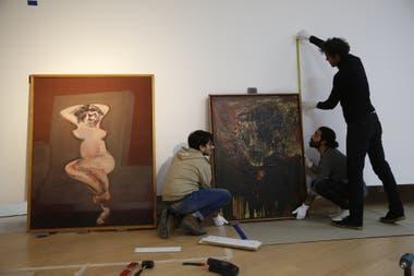 Desnudo (1960), de Francis Bacon, convive con Imagen agónica de Dorrego (1961), de Luis Felipe Noé. Dos variantes contemporáneas de la Nueva Figuración