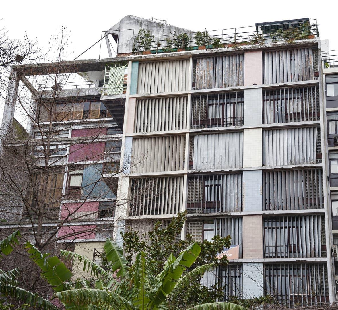 Virrey del Pino 2446. Fuerte influencia de Le Corbusier