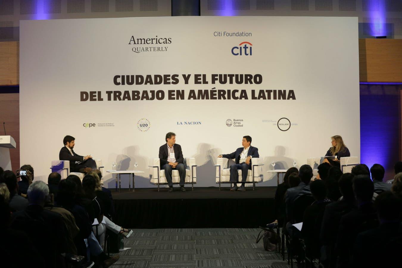 Ignacio Federico, Eduardo Levy Yeyati, Ricardo Mora y Carmen Arancibia, los participantes de uno de los paneles del evento