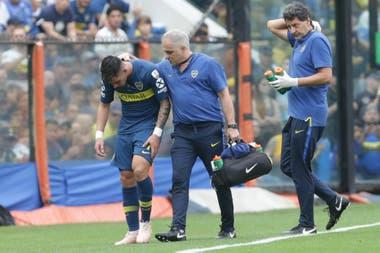 Pavón se lesionó en el primer partido ante River en la Bombonera y se llenó de frustración