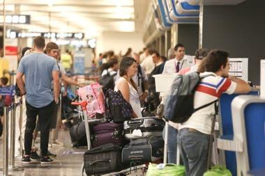 """El objetivo oficial es descongestionar el Aeroparque, al que consideran """"saturado"""""""