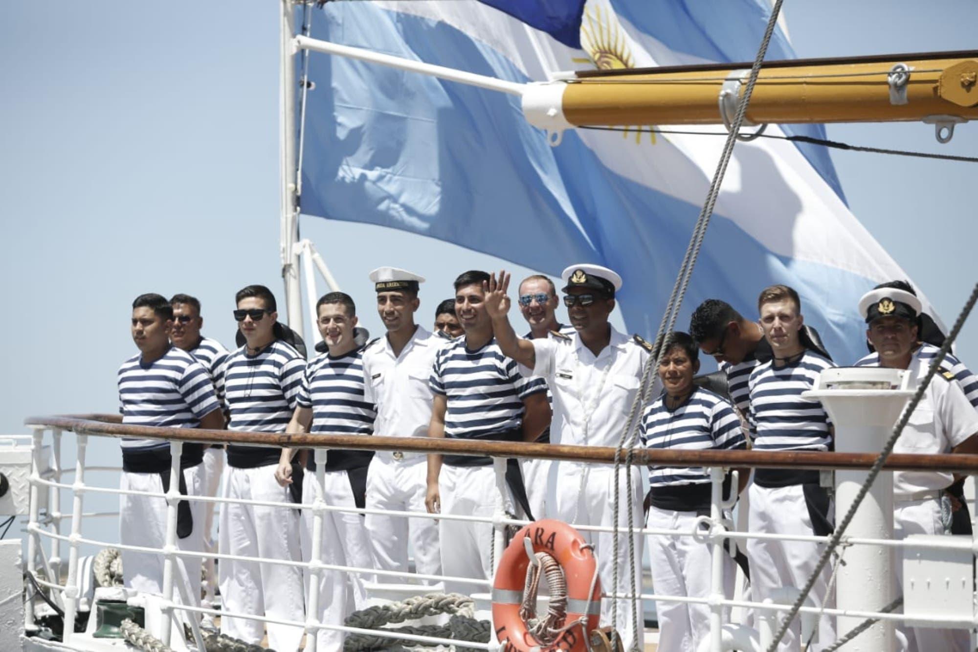 La Fragata Libertad amarró en Mar del Plata tras cinco meses de navegación