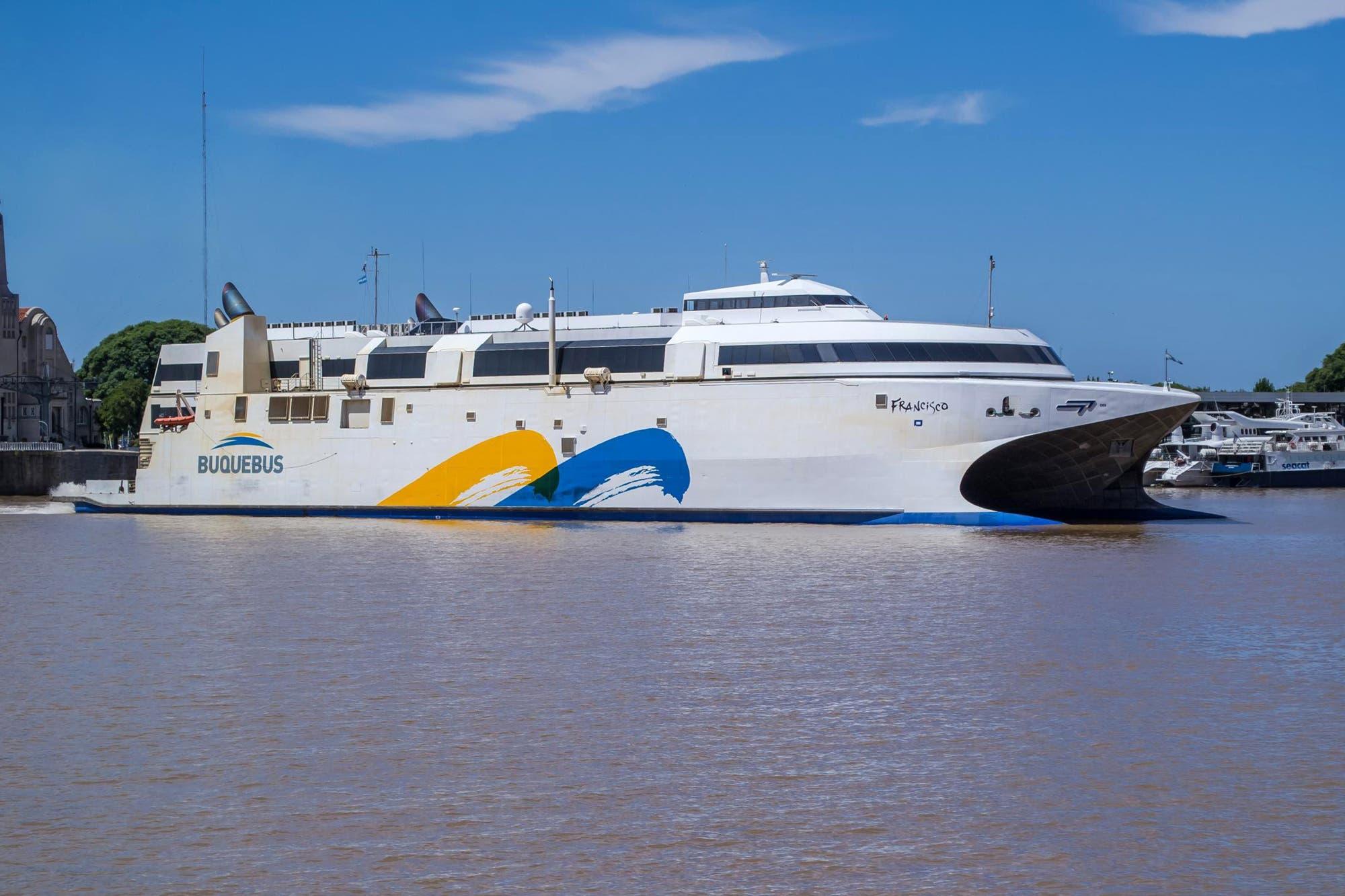 La Ciudad demandará por US$ 700 mil al joven que se subió a un barco a pesar de tener coronavirus