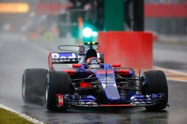 Toro Rosso, el comienzo de la aventura de Sainz en la Fórmula 1; el madrileño integró el Team Junior de Red Bull Racing, bajo el mando de Helmut Marko
