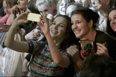 Natalia con sus fans en pleno show