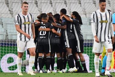Por el gol de visitante, festejó Lyon pese a caer por 2-1 con Juventus; en cuartos de final jugará con Manchester City
