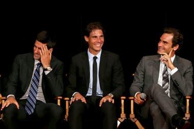 Sonrisas del Big Three que serán cada vez más difíciles de ver: Djokovic pelea contra Nadal y Federer por todo.