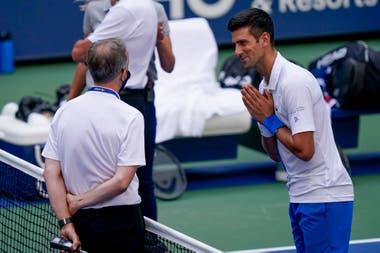 El pedido de disculpas al árbitro general del torneo no tuvo respuesta favorable: Djokovic fue descalificado