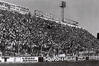 """""""Está todo Junín"""", gritaban los jugadores de Sarmiento al entrar en la cancha de Banfield y ver la tribuna"""