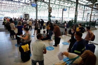 Primer tren a Mar del Plata con turistas desde que inició la cuarentena