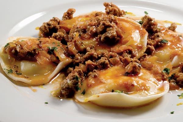 Receta de Sorrentinos de espinaca y queso con boloñesa de cordero