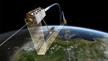 Los satélites cercanos orbitan a 500 km de la superficie de la Tierra
