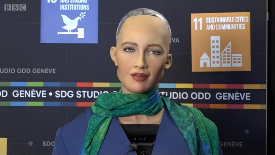 """El fraude del robot ruso de """"alta tecnología"""" que podía hablar y bailar"""